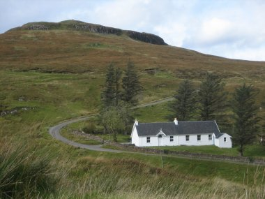 Glendrynoch Cottages - The Old School House