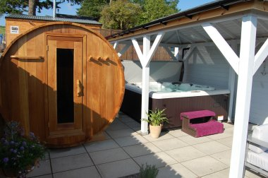 PItlochry with private patio and hot tub/sauna