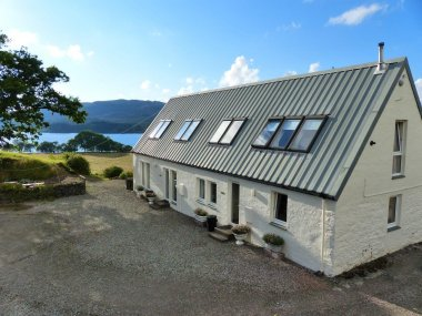 On shores of Loch Awe (sleeps 2)