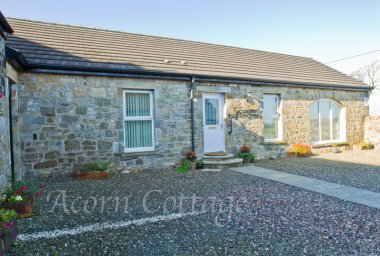 Acorn Self Catering Holiday Cottage, Near Airdire
