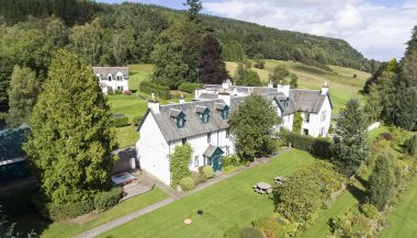 Beautiful 9 Bedroom property available due to cancellatioin
