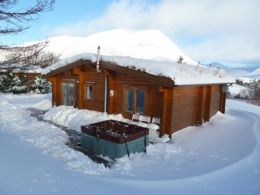 15% Discount on a Log Cabin Break - with Hot Tub & Sauna